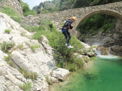 A jump to start canyoning in Barbaira