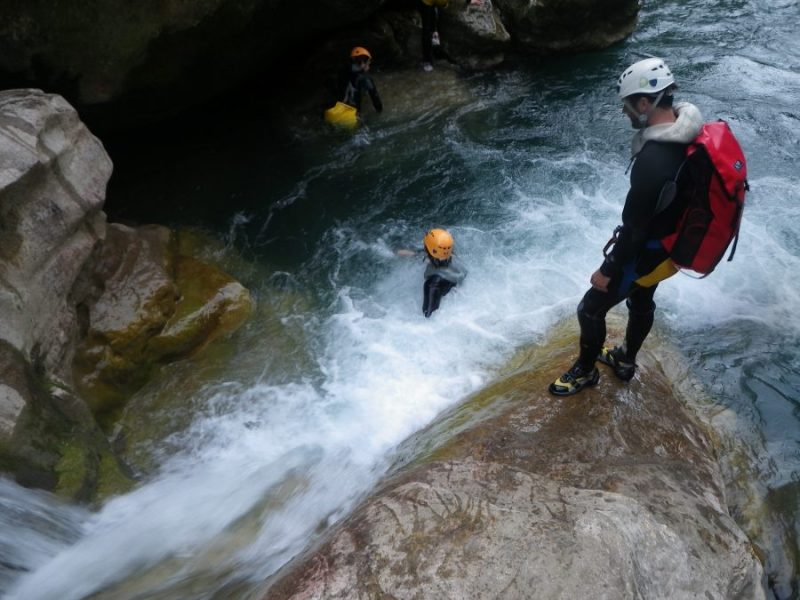 Start canyoning in the Gorges du Loup-French riviera-Nice
