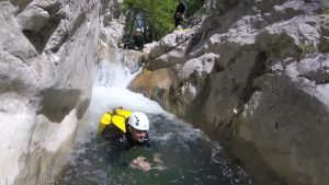 A canyoning trip in wild nature near Nice, Cuebris