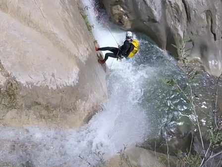 Canyoning in Cuebris near Nice requires many abseils